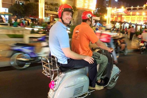 Vespa-Tour durch Saigon
