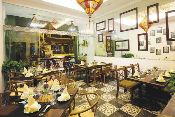 4. Madam Yen Restaurant (99 Hang Gai)