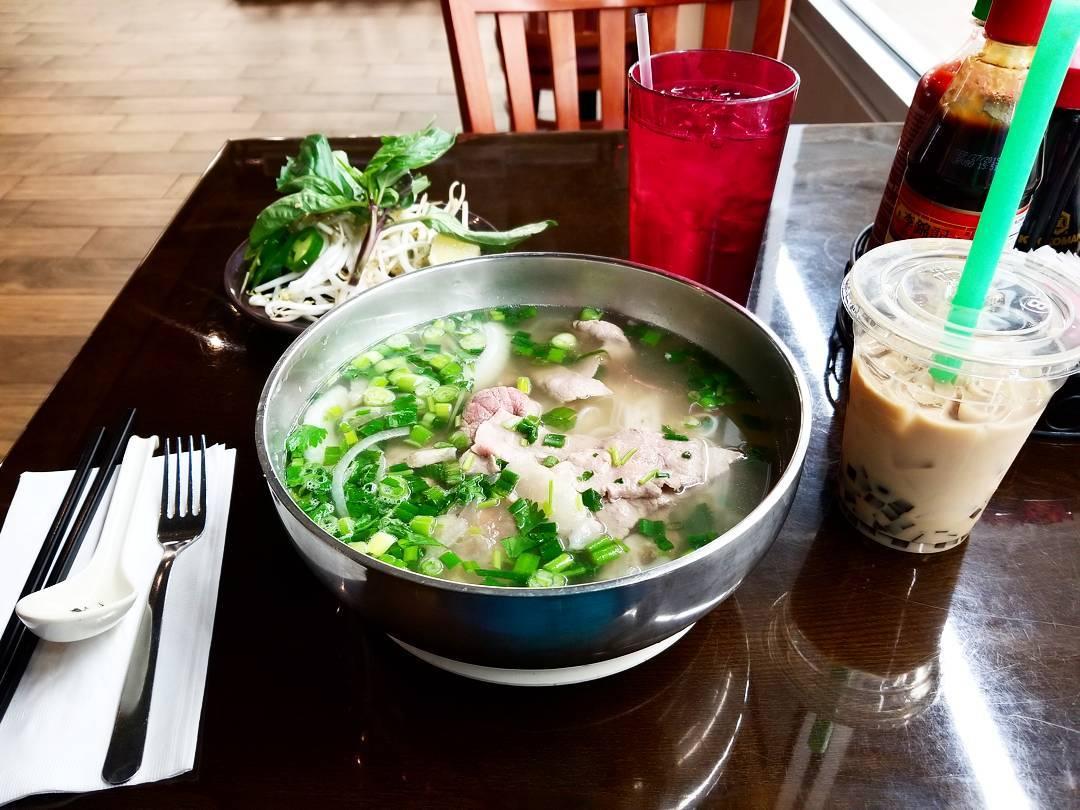Pho - Vietnam -Reisen - Essen und Trinken 01