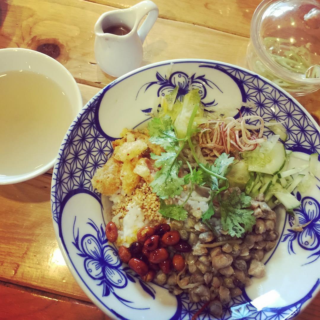 com-hen - Vietnam -Reisen - Essen und Trinken 01