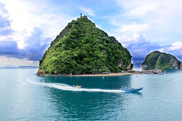 Ti Top Insel - Halong Bucht: Ein Muss beim Vietnam Rundreisen