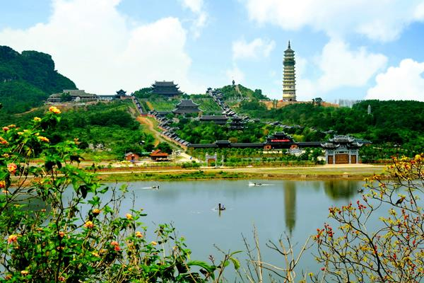 Bai Dinh Pagode - Ninh Binh Reisen