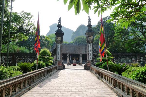 Die antike Hauptstadt Hoa Lu