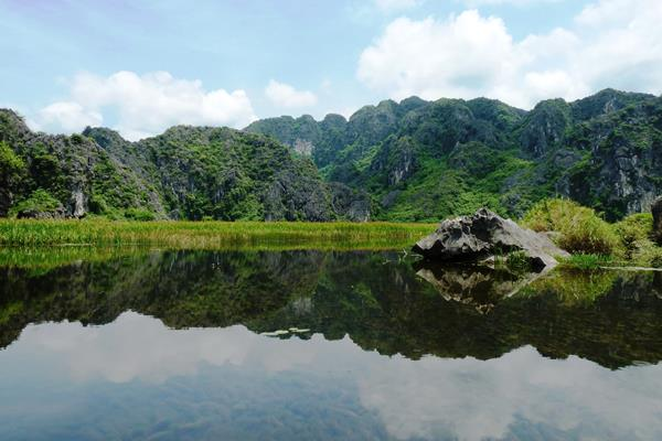 Van Long Ninh Binh Asiatica Travel Vietnam Reisen